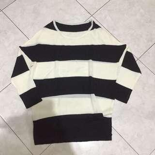 Stripe black and white knit sweater
