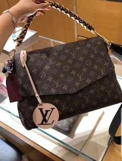 💯authentic lv BEAUBOURG MM  M43953 limited additions sg only pcs view last pic USD $4,100