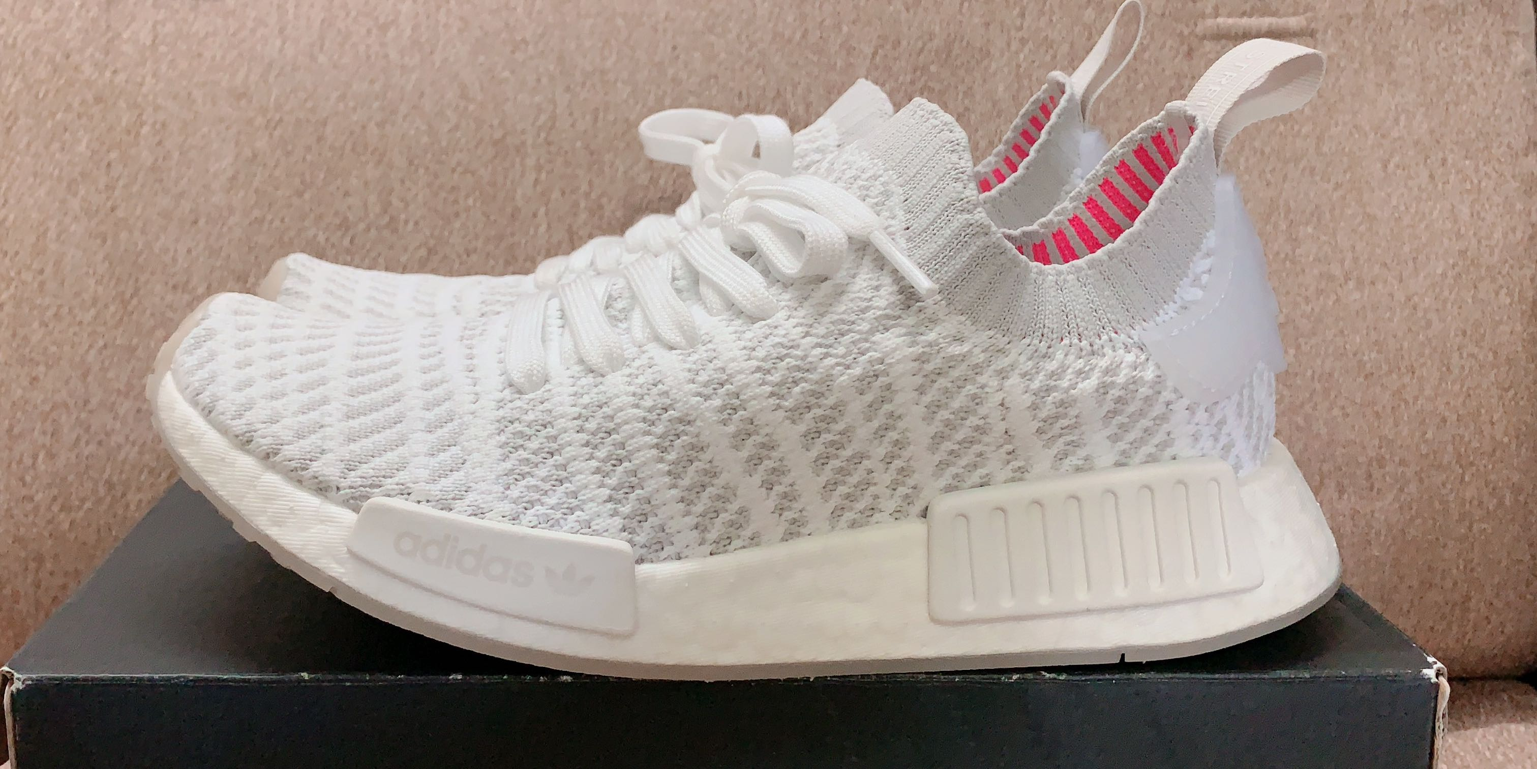 quality design 45b2f 3b6c4 Adidas Originals NMD R1 STLT PK, Cloud White , Women s Fashion, Shoes,  Sneakers on Carousell