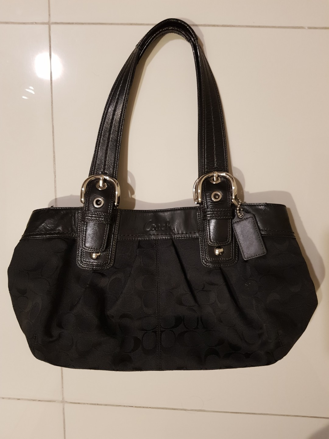 Coach Bag - genuine, rarely used, in very good condition, metal parts no  scratches