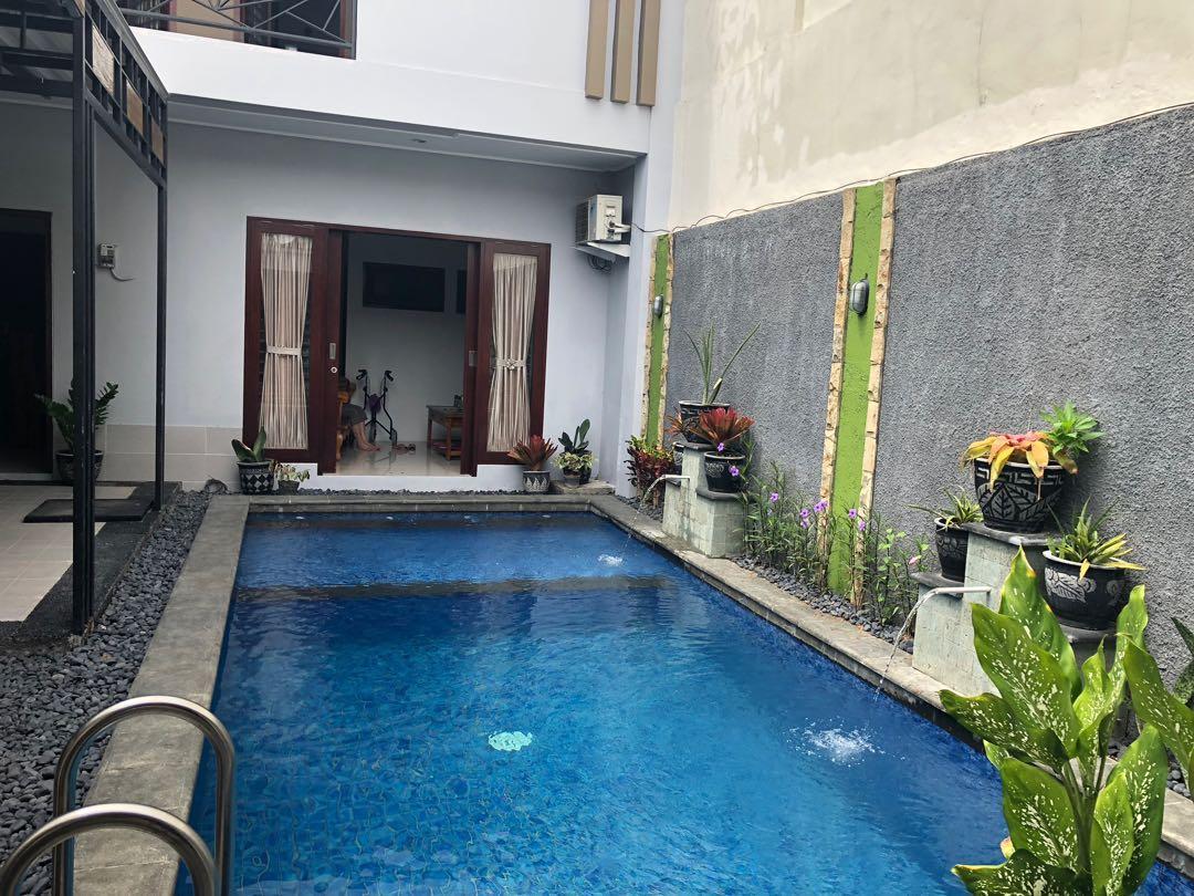 For rent villa one ,close to senggigi beach in lombok island,buat yg ingin berlibur ke lombok,bisa untuk satu keluarga 3 kamar tidur,swimming pool,dapur complete,perhari minimal 7 hari per bulan/perthun