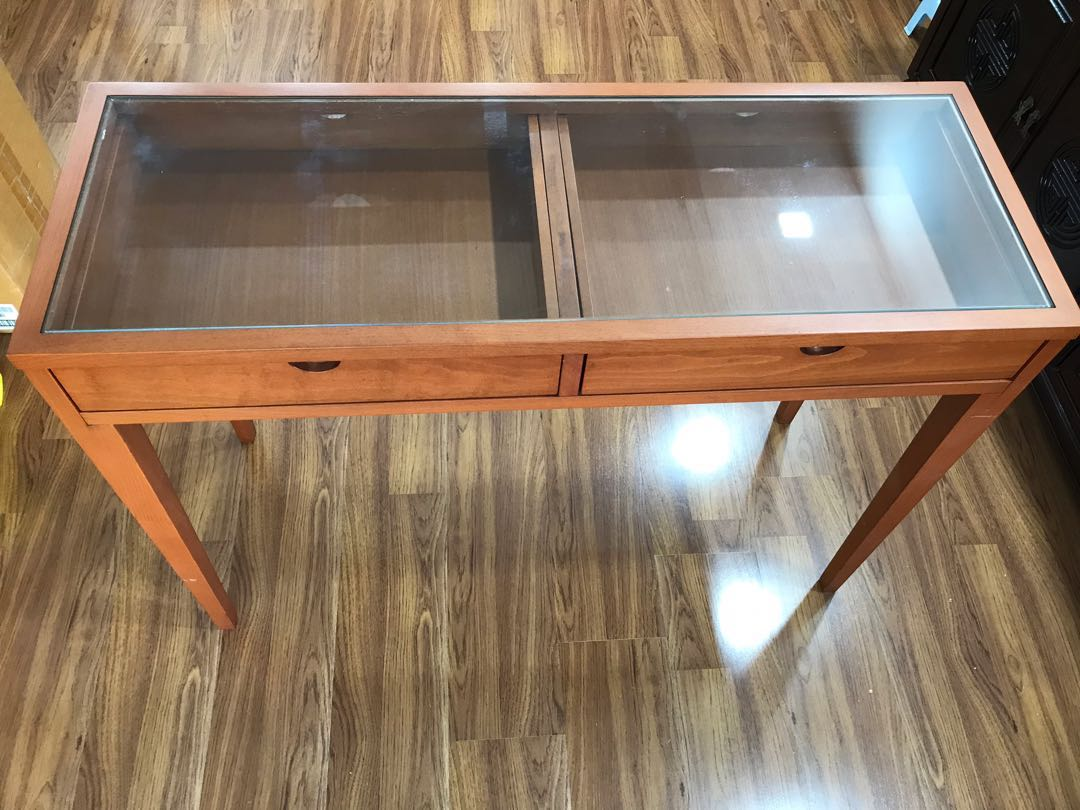 Maple Wood Coffee Table.Maple Wood Side Table Free 2 Chairs