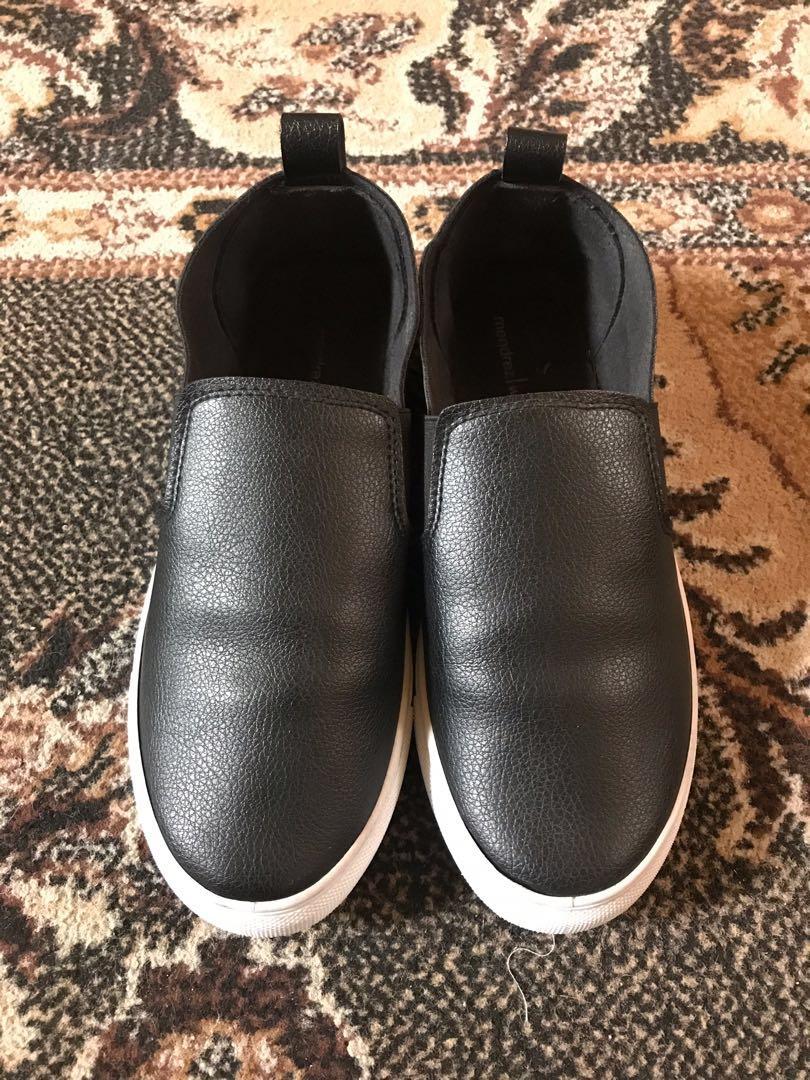 Mendrez Slip-On Black Shoes, Women's