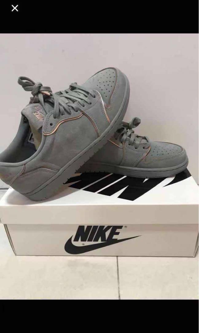 936abb76b2b8a8 Nike Air Jordan 1 Retro