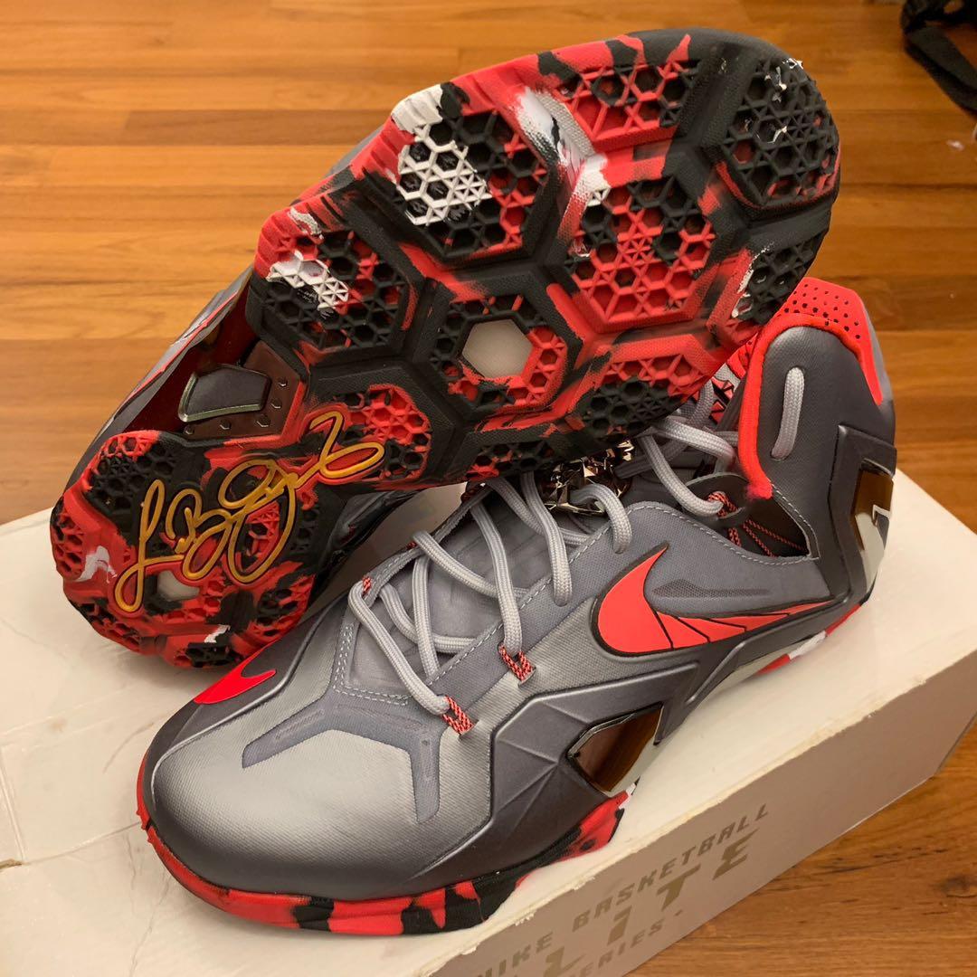 "adfed0456d0f66 Nike LeBron 11 Elite ""Team"" Size 10 US"