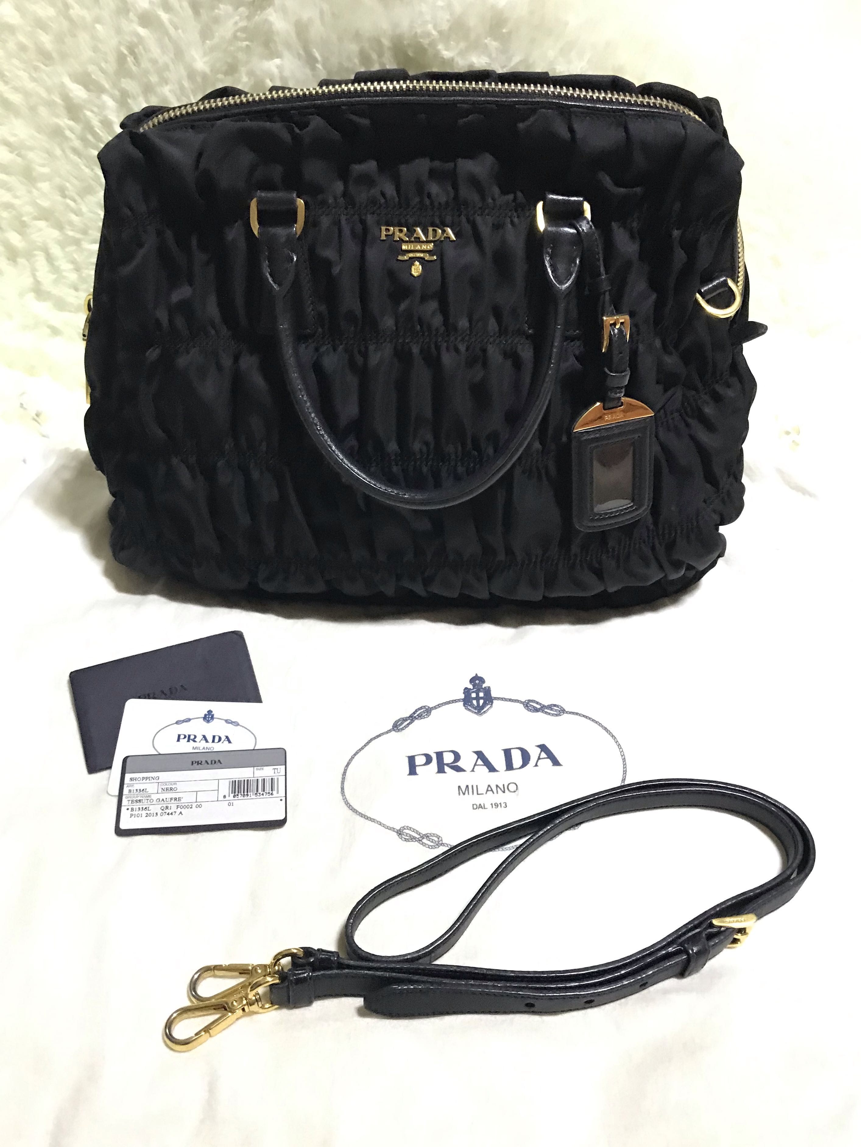 855d494153054c Prada Tessuto Gaufre Classic Design, Luxury, Bags & Wallets, Handbags on  Carousell