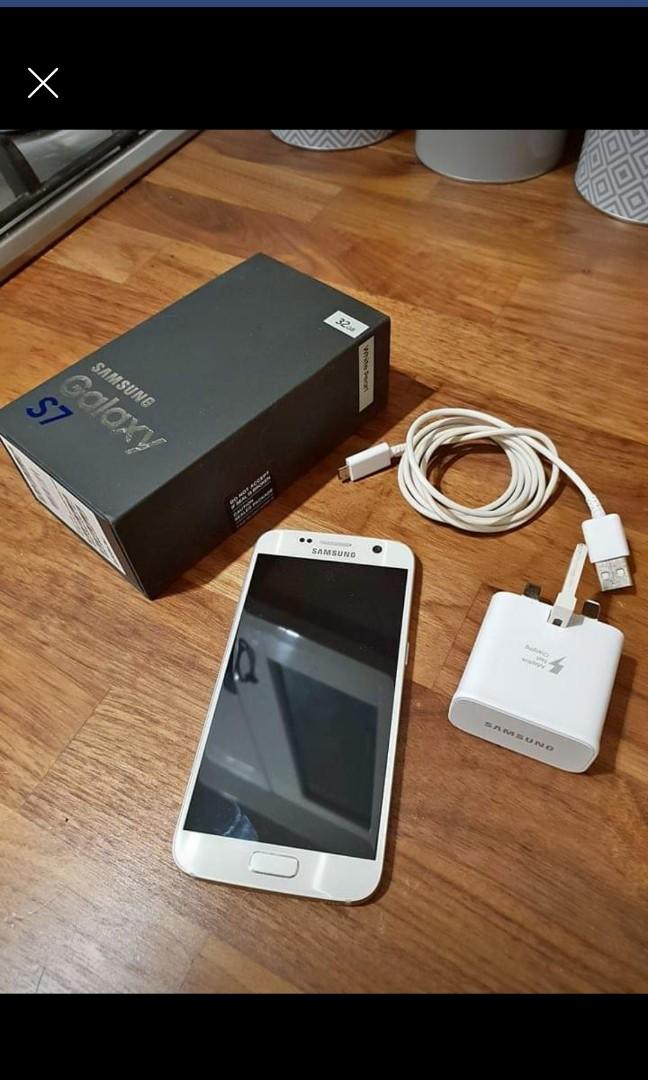 Samsung galaxy s7 with box charger and screen protector