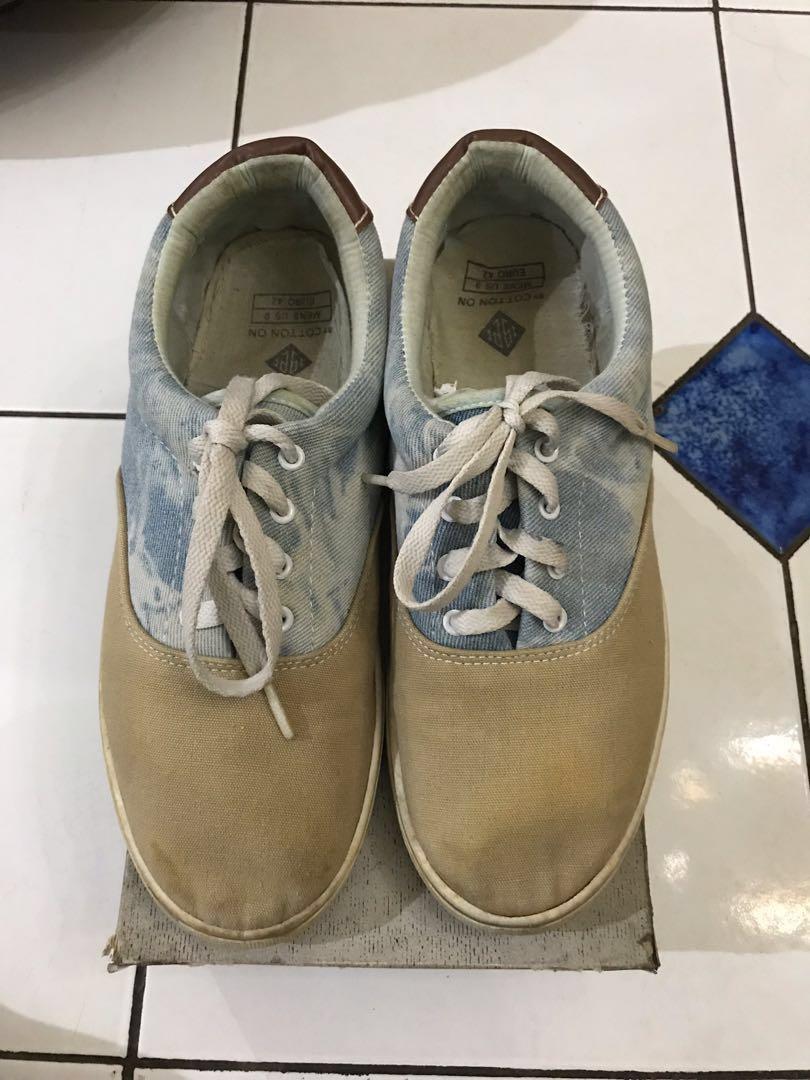 sepatu casual sneakers mirip vans cowo murah BU size 42