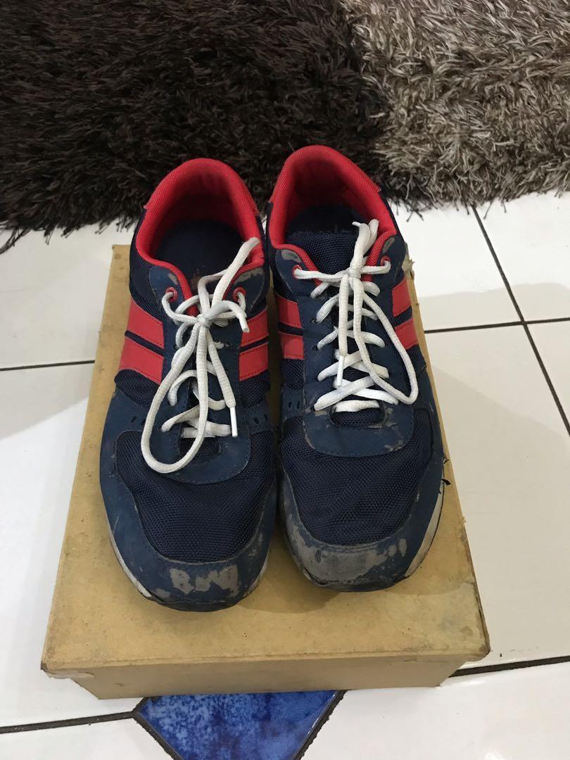 sepatu sneakers adidas cowo murah BU size 43