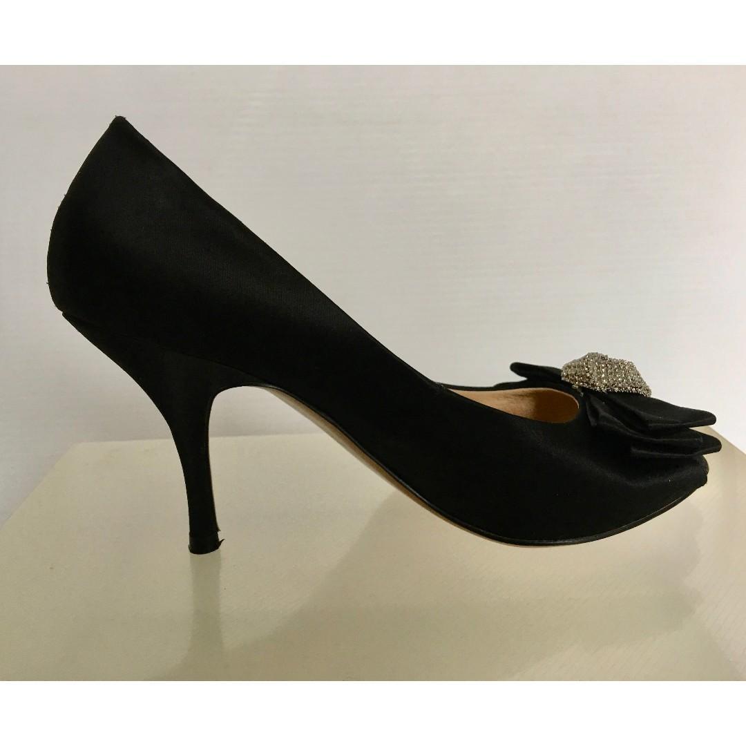 Tony Bianco. Size 7 Kitten Heels.
