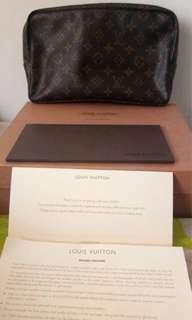Authentic Louis Vuitton Toiletry Trousse 28
