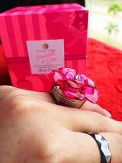 Victorias secret Bombshell in bloom fragrance ring