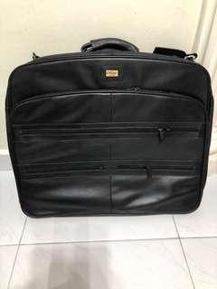 Authentic hand-made HEBE full leather business suite carrier