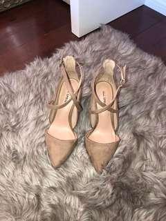 Spring heels size 7
