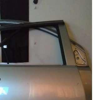 Pintu depan myvi kiri dan kanan