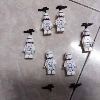 Lego Star Wars First Order Snowtrooper with kama