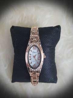 W2c Unique design - Brand New ladies watch