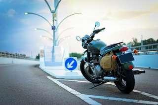 Triumph Bonneville T100 Steve McQueen edition