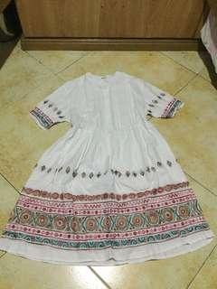 Dress white with print