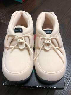 🚚 combi兒童鞋