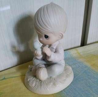 Precious Moments Boy Figurine : I Believe in Miracles E7156R