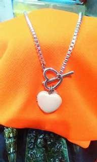 Necklace w/open heart pendant