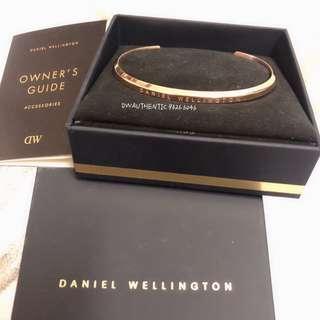 🚚 <INSTOCK> Authentic Daniel Wellington Cuff