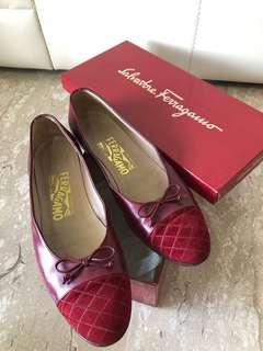Auth Ferragamo Maroon Quilted Flats