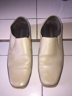 Sepatu Semi Formal #bersihbersih