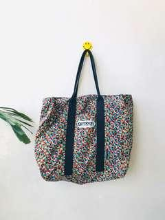 OUTDOOR SERIES TOTE
