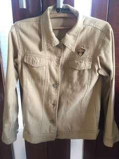Jaket Jeans warna nude ukuran M