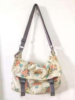 Billabong Sling Bag Flowers