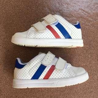 Preloved Tz by Osh Kosh White Shoes size Eur 25