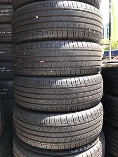 215/60/16 Dunlop tyre