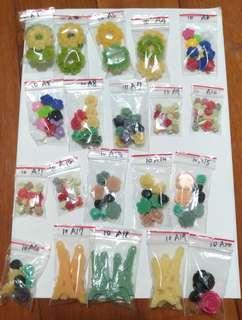 材料出清--塑膠花及塑膠貼片區(一包10元,有多件優惠)