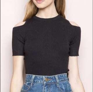 🚚 BNWT brandy melville finly cold shoulder top