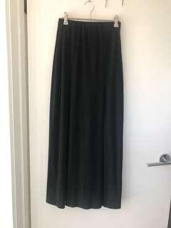 Valleygirl black skirt size XS