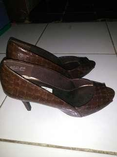 #bersihbersih  NEW!!! BROWN HEELS PEEP TOE