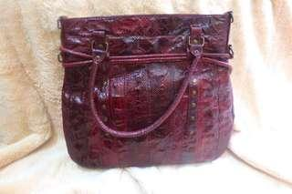🌟BRAND NEW🌟MAROON List black hand bag KULIT ULAR ORIGINAL ASLI