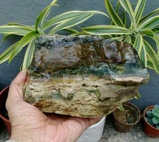 🚚 天然大花臉虎皮木化綠玉髓擺件/100%純天然色無染色,特價出清988元,重約1750公克