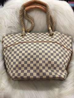 Lv authentic size GM