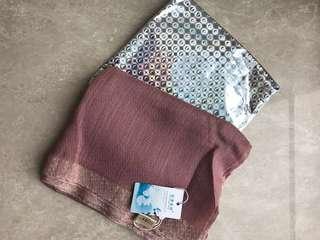 杭州特產真絲羊毛頸巾 silk and wool scarf