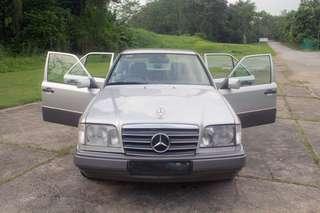 Mercedes-Benz E200 Exclusive Auto