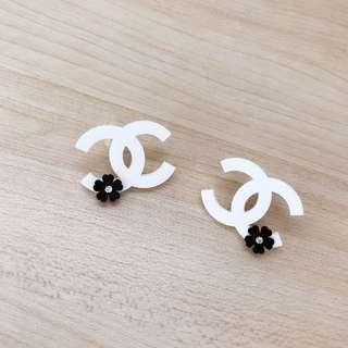 *NEW* Chanel earrings