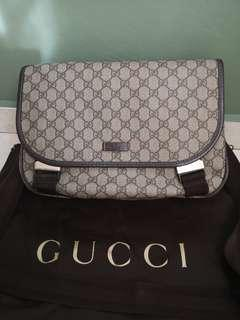 Gucci Messenger Piccola sling bag