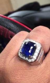 Cincin blue sapphire 6,36 crt