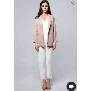 Gaya blazer nude by Lookboutiquestore