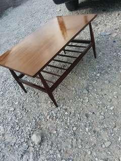 Retro pensil leg cofee table.. antik