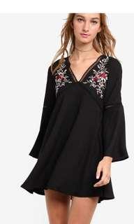 🚚 Embroidery Flare Sleeve Dress