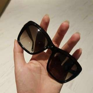 (NEW) Salvatore Ferragamo Sunglasses kacamata hitam dari Optik Seis
